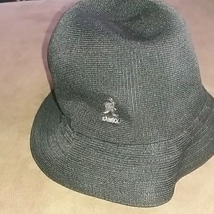 Kangol black hat. Size L/XL